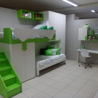 camera con letto a castello binco e verde