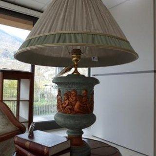 lampada da tavolo decorata