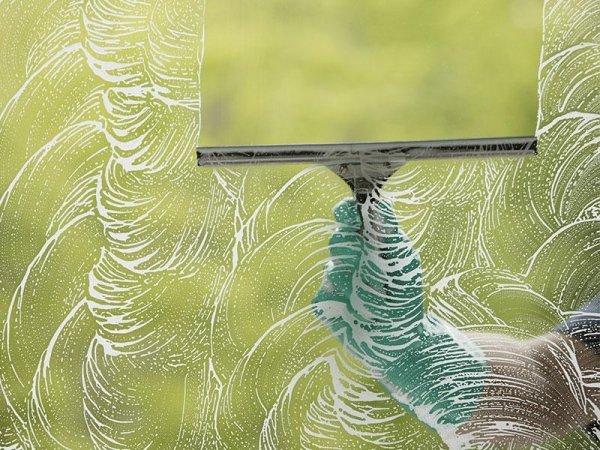 lavaggio vetrine