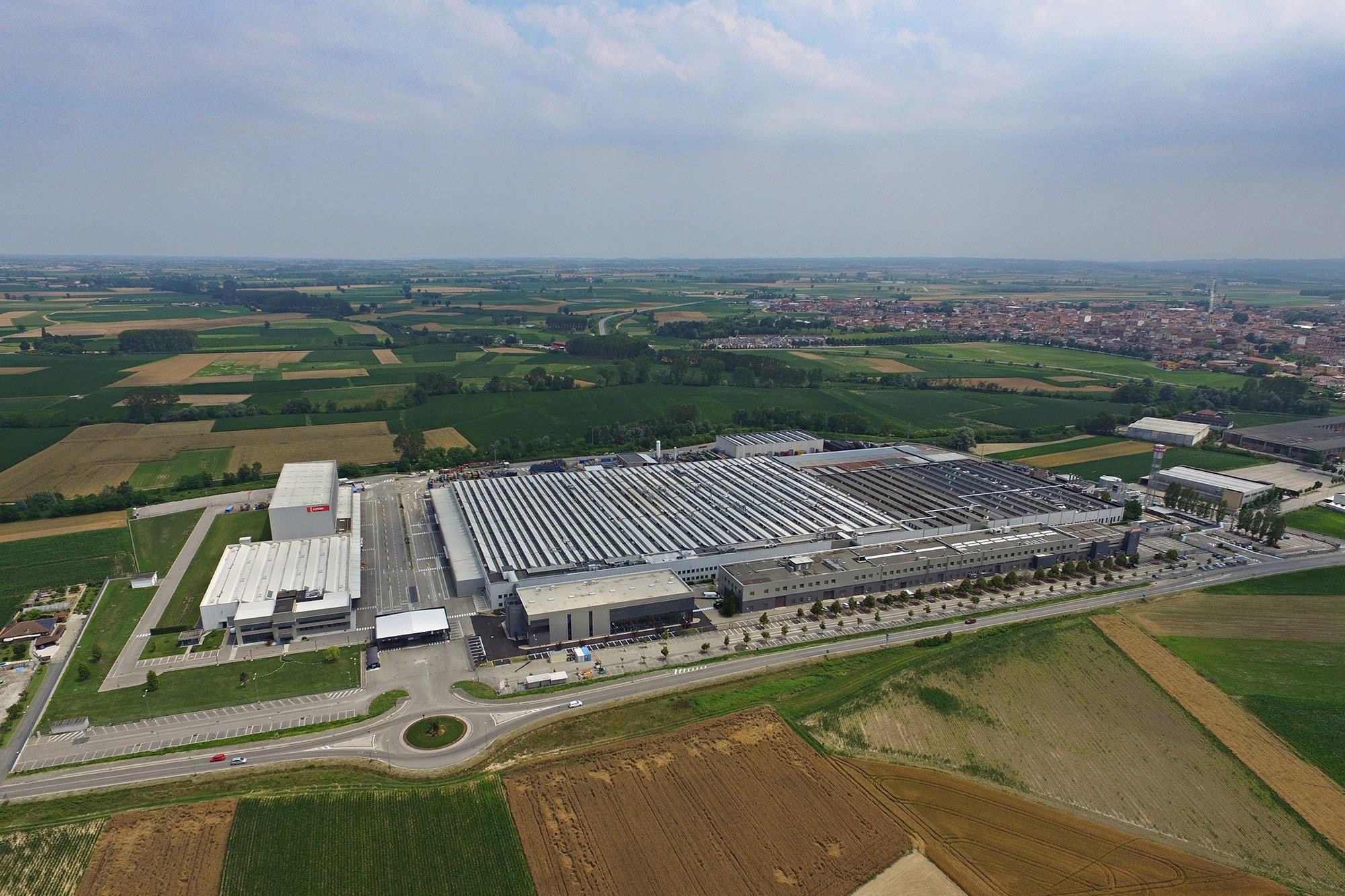Visuale di copertura capannoni industriali della Copri System a Poirino