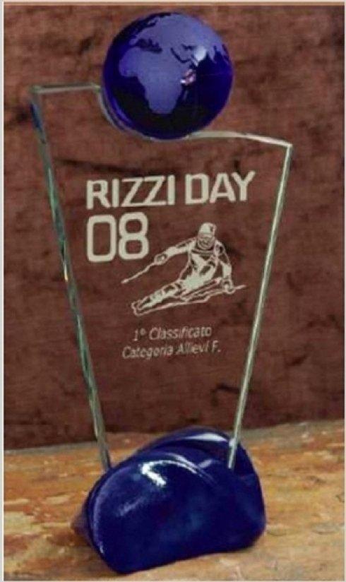 Vendita trofei dedicati allo sci.