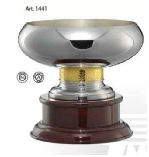 Vendita coppe in metallo con base in legno.