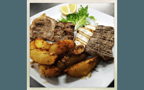 Grigliata mista alla romagnola con patate al forno sabbiate