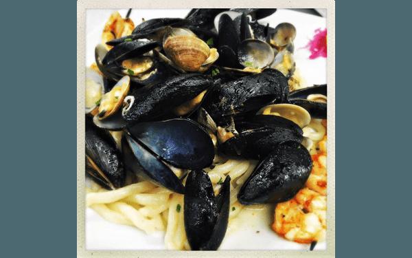 Strozzapreti ai frutti di mare