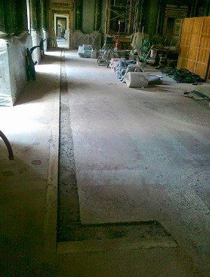 lavorazione pavimento in pietra
