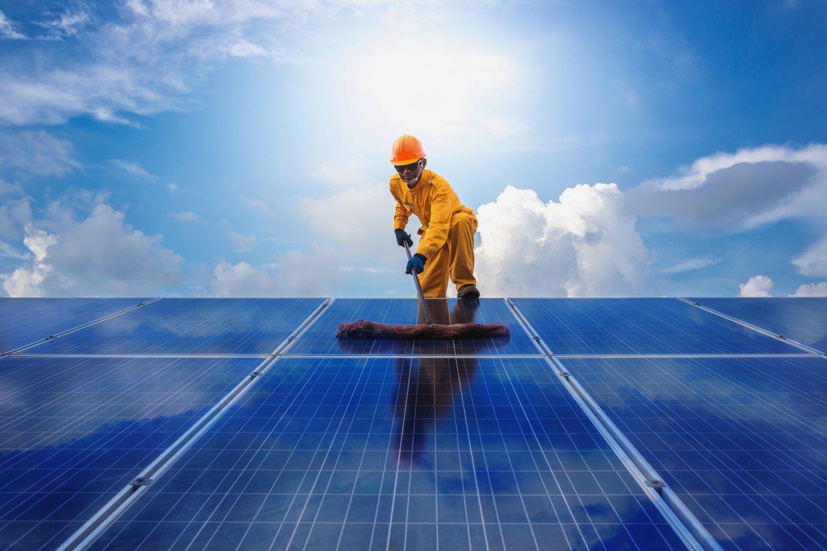 Manutenzione di pannelli solari