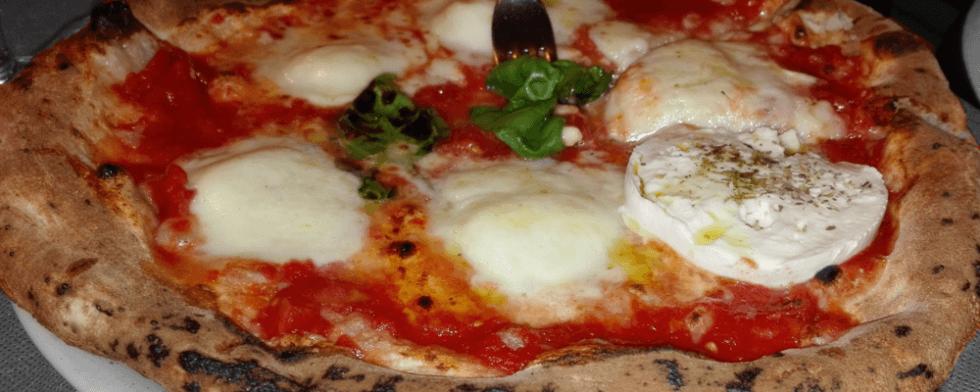 Pizza_con_mozzarella_di_bufala