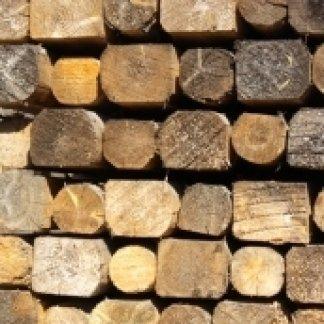 paleria per palizzate, travi di legno, travi lamellari