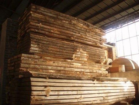 travi in legno, magazzino legna