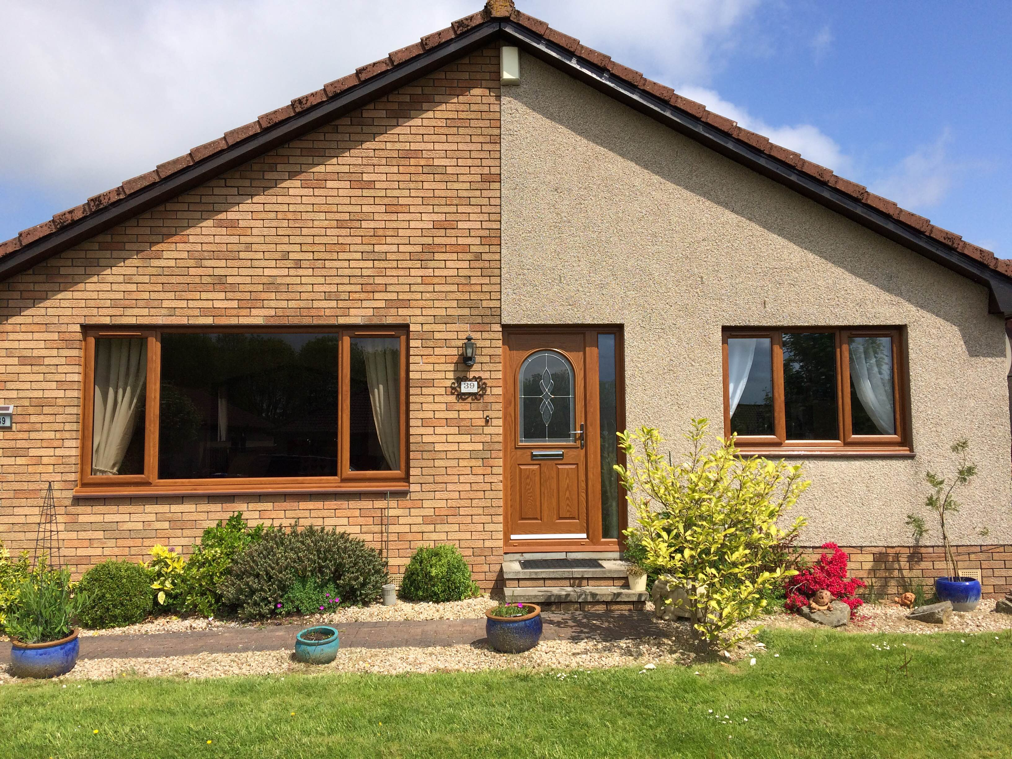Bungalow with uPVC windows