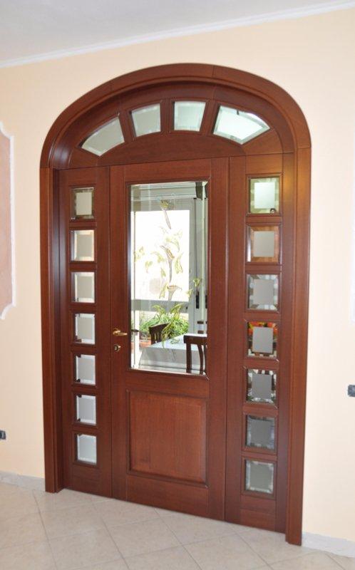 Porta in legno su misura