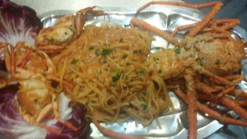 spaghetti con sugo di crostacei