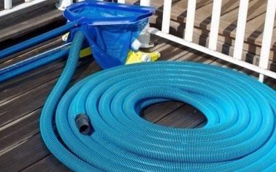 Manutenzione e pulizia piscina
