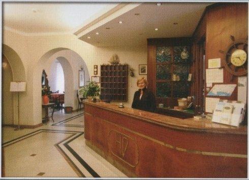 reception Hotel Dora