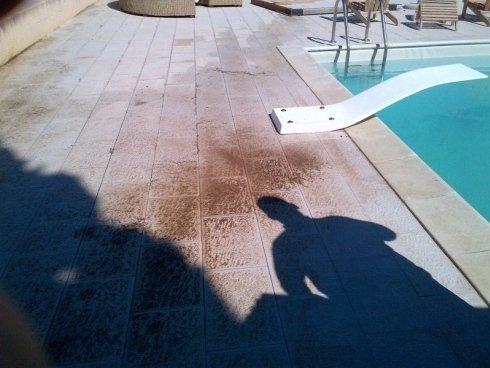 pulizia pavimenti piscina prima