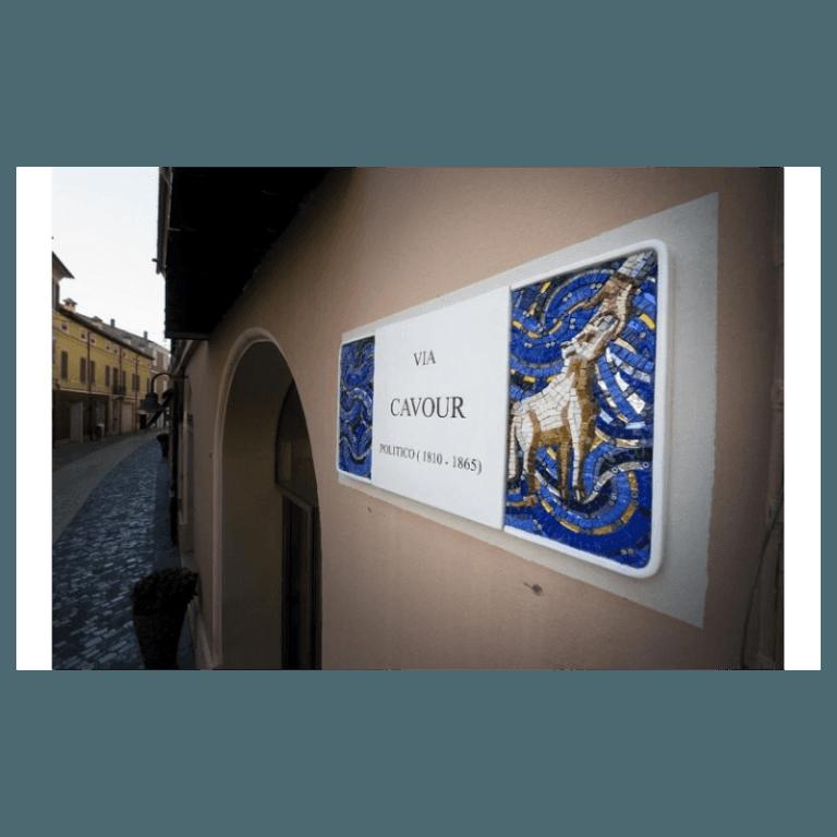 targhe smaltate in ceramica con mosaici Annafietta