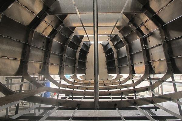 Carpenterie leggere e pesanti in alluminio per uso industriale e nautico