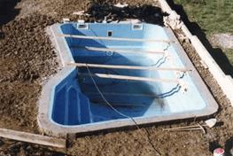 Piscine in vetroresina latisana udine galetto impianti - Prezzo piscina vetroresina ...