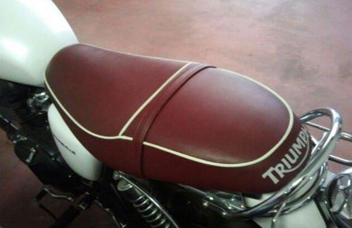 sellino moto Triumph dopo restauro