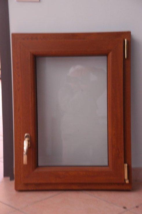 finestra quadrata