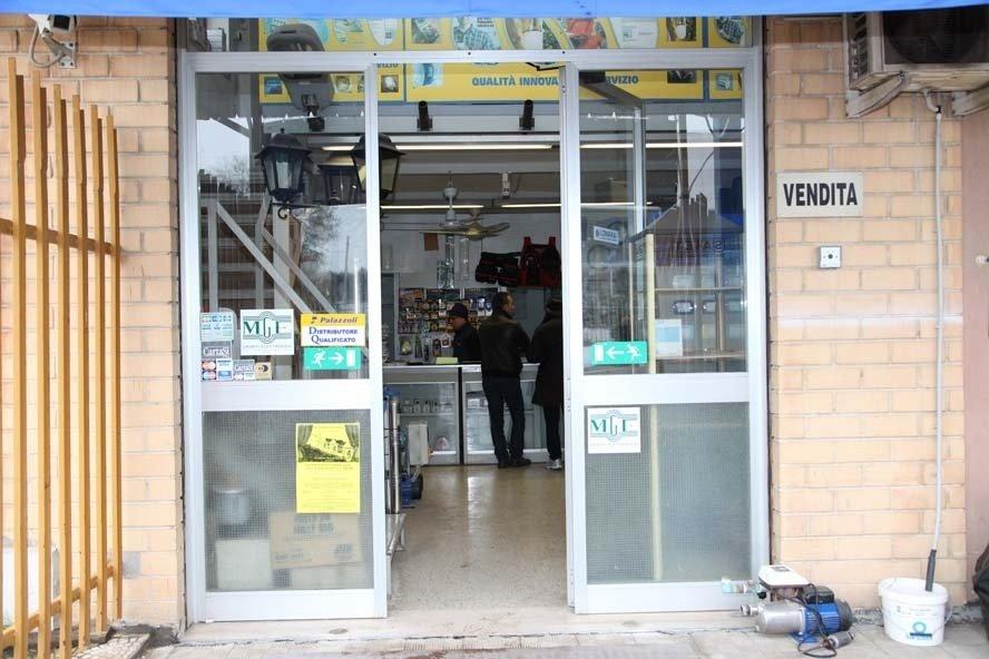 Shop Elletra