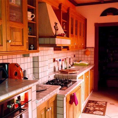 Cucina personalizzata in legno
