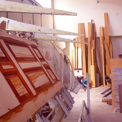 realizzazioni porte infissi e mobili in legno