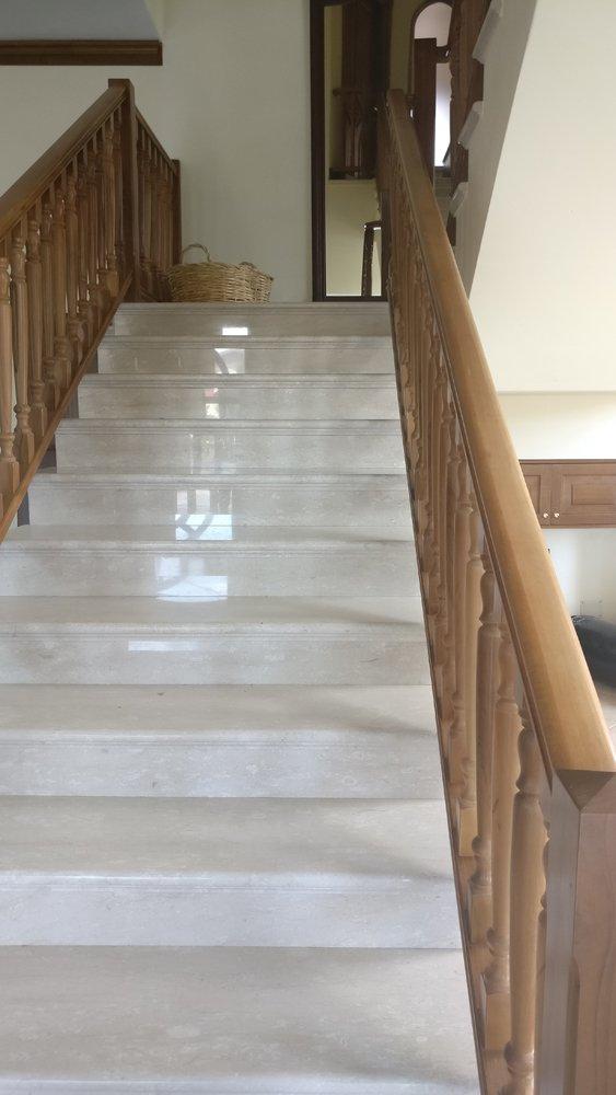 scale interne e ringhiere in legno