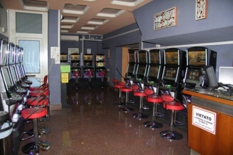 Bingo Galleria srl, Civitavecchia (RM), slot machines bar