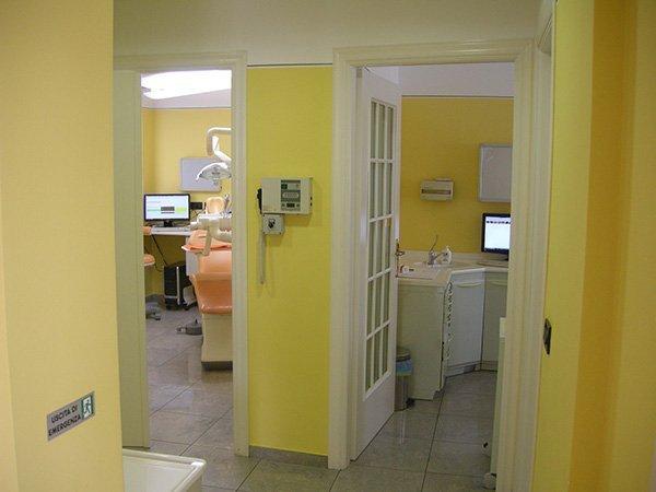 Ingressi sale dello studio dentistico