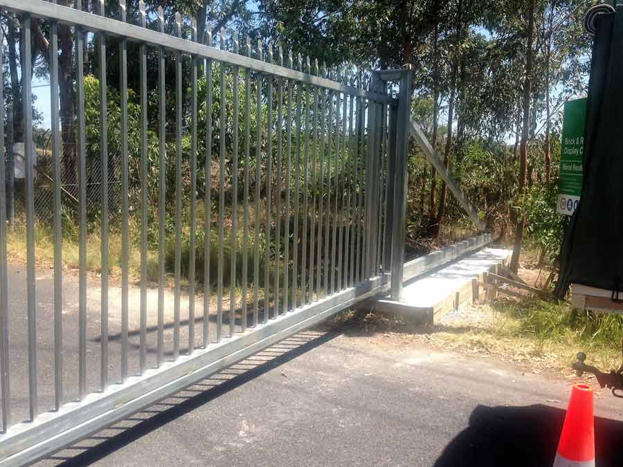automated gate fencing