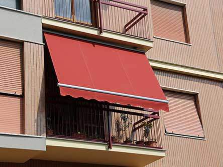 tenda parasole rossa