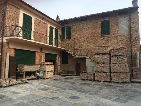 Iorio Recupero e Vendita Mattoni Antichi Pavia