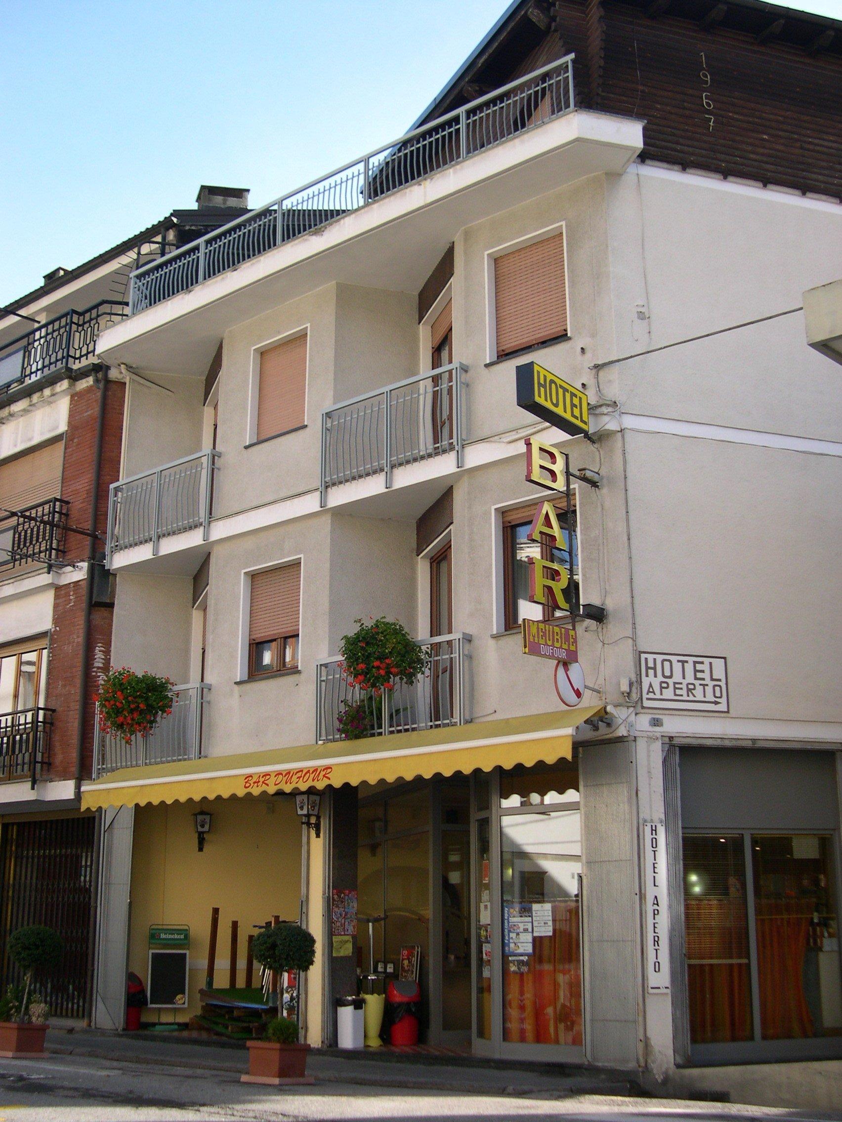 Esterno dell'Hotel Dufour di giorno