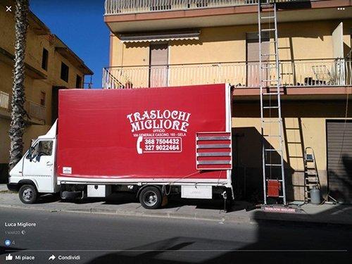 Camion per traslochi della Traslochi Migliore a Gela