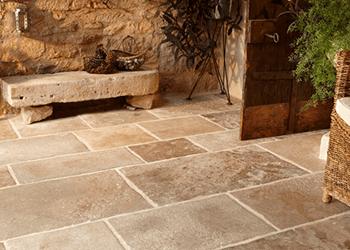 Trattamento pavimenti in pietra naturale