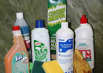 prodotti di pulizia per il soggiorno