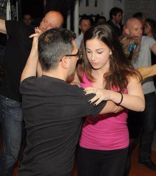 Coppia balla al disco bar Dema a Villorba