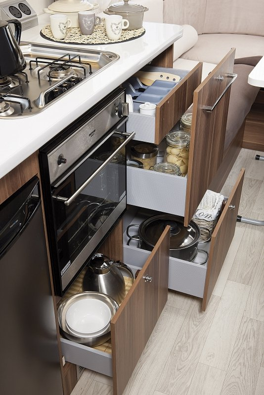 motorhomes for hire with onboard kitchens, oven, grill, fridge