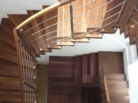Scale e ringhiere in legno