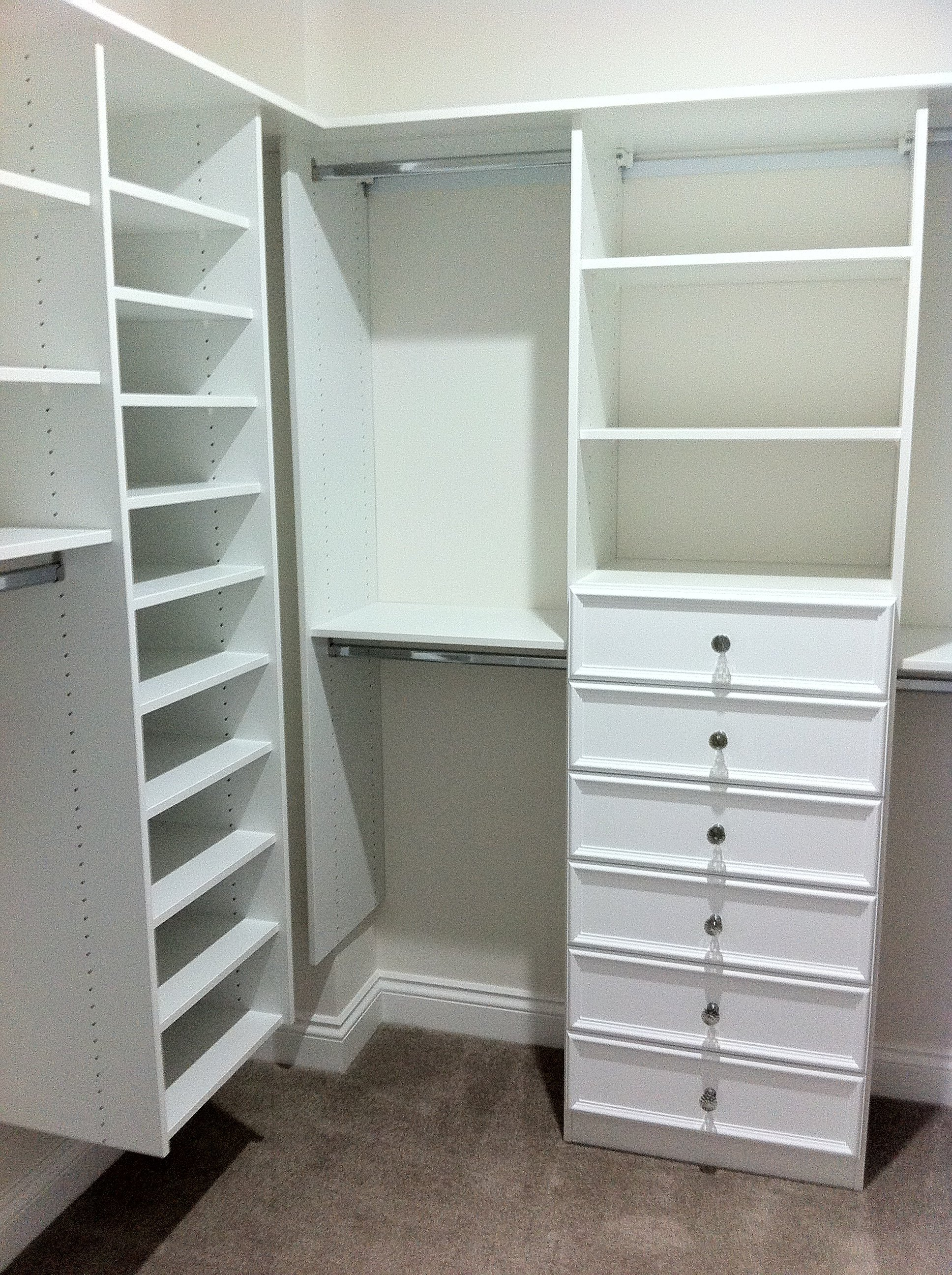 Custom wardrobe manufactured by experts