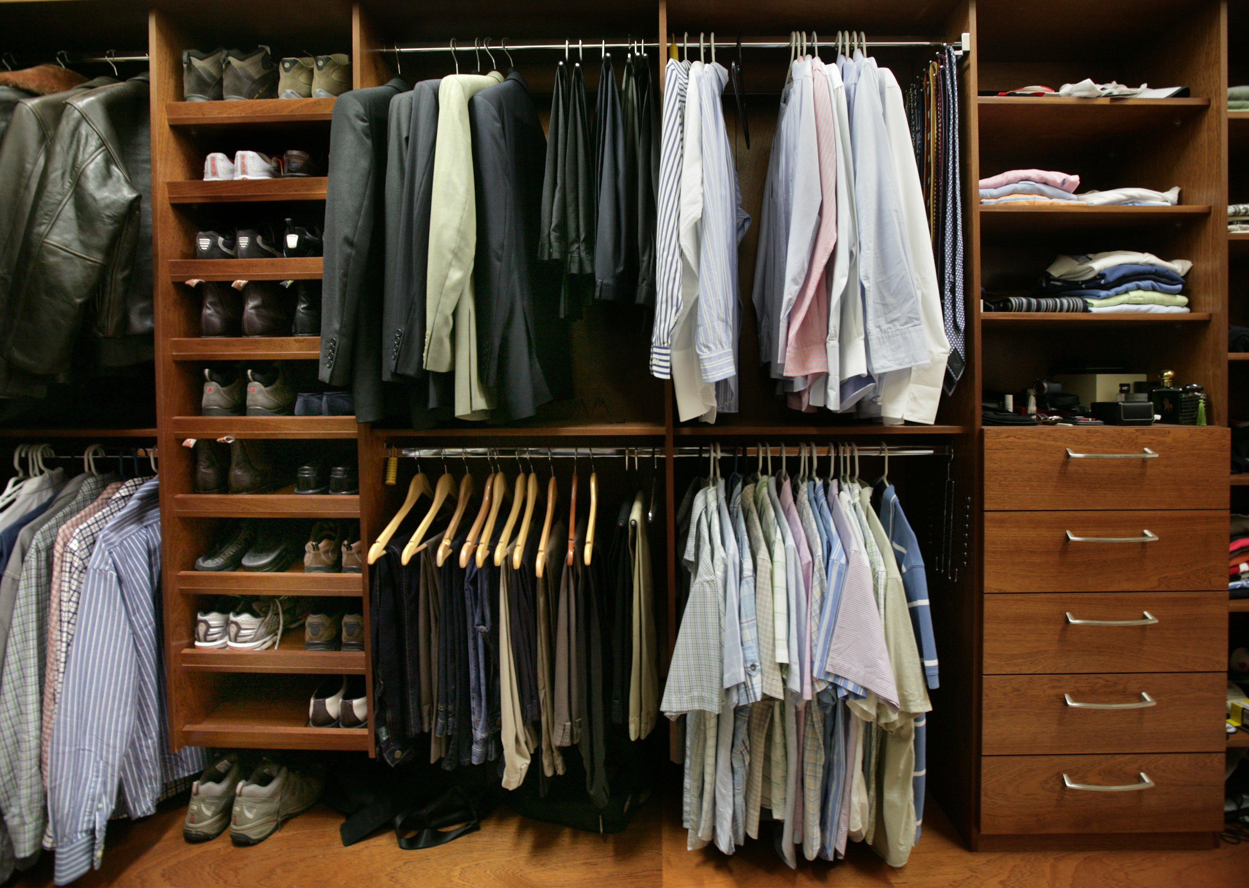 Dual wardrobe hanging
