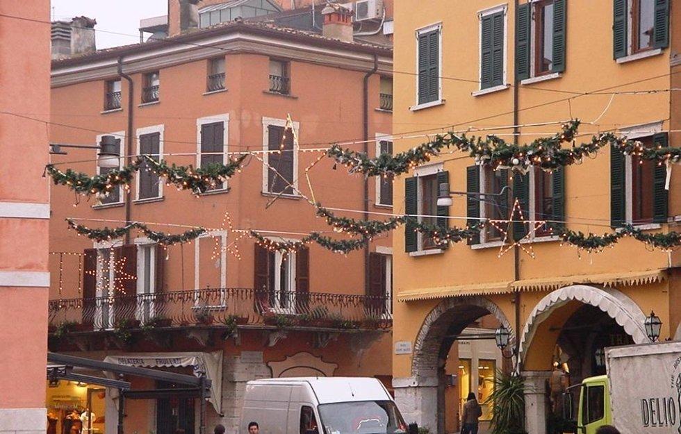 Festoni di Natale per città