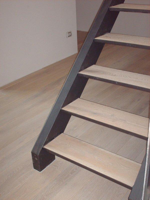 rivestimento scalini in legno