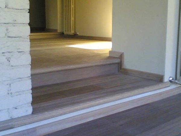 gradino in legno