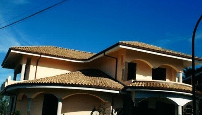 Copertura tegole tetto appartamento