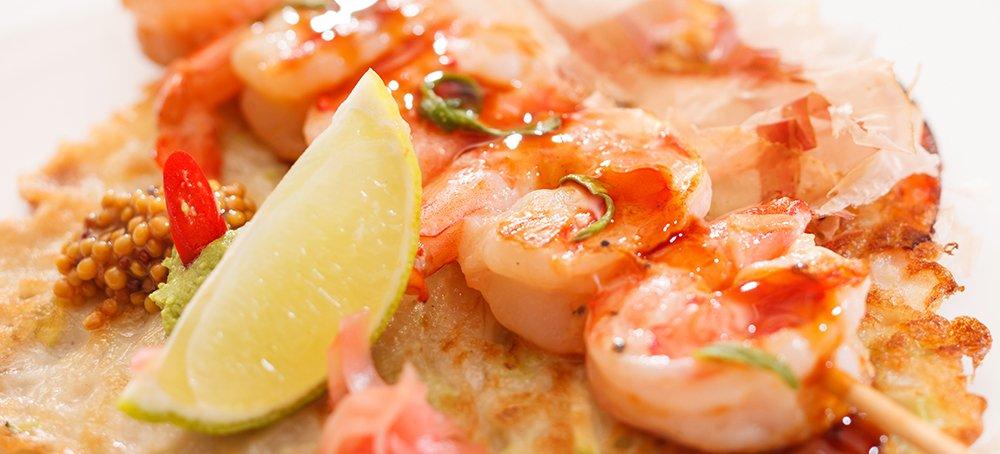 Kebab shrimp served with lemon in New York, NY