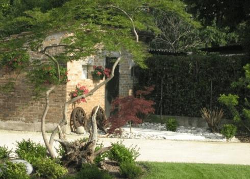 sistemazione giardino di rustico