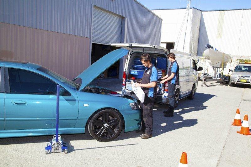 precision-mobile-mechanics-workers