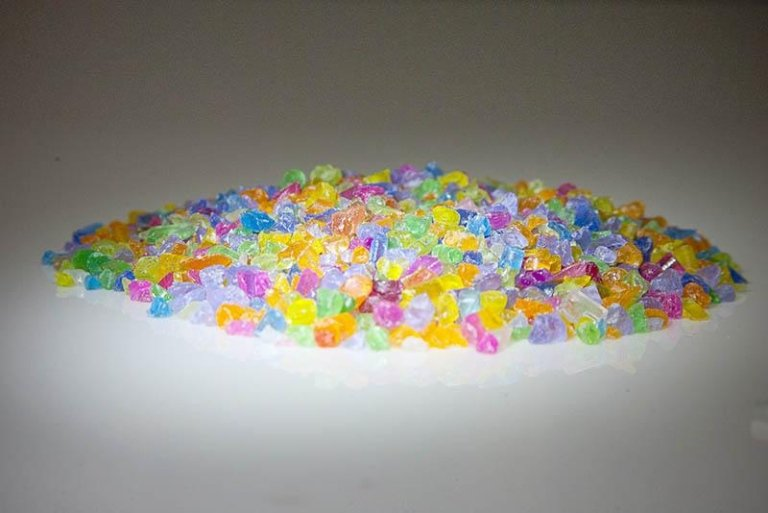 plastica di vario colore